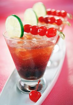 Cherry limaretto - amaretto, sour cherry juice, lime juice, ginger ale