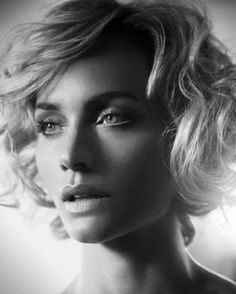 Amber Valletta by Vincent Peters www.goachi.com