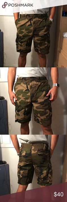Nike Camo Shorts Lightly worn, perfect condition Official US Military camouflage pattern Nike Shorts Cargo