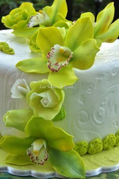 orchids cake Orchid Cake, Fondant, Cake Pictures, Cake Pics, Cool Birthday Cakes, Birthday Ideas, Gorgeous Cakes, Amazing Cakes, Gum Paste Flowers