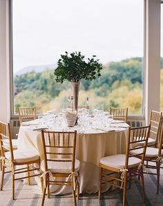 Photography: Carmen Santorelli Photography - carmensantorellistudio.com Splendid Stems Floral Design by Karen Splendido The Garrison Hudson Valley Wedding Read More: http://www.stylemepretty.com/2015/02/19/elegant-fall-wedding-at-the-garrison/