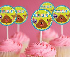 Hey Duggee Birthday Party | Hey Duggee Cupcake Toppers | Hey Duggee Party Supplies | Hey Duggee Party Ideas for Kids - get it here: www.bdayprints.com
