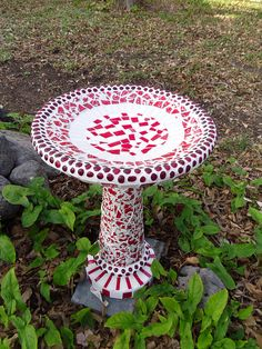 mosaic birdbath - I love this!