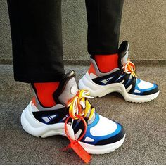 Not your average sneaker! Whats your opinion on this new chunky @louisvuitton shoe? by @heung_gram #sneakersmag #louisvuitton #sneaker #shoe #hype