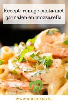 Voor een romige pasta zijn wij altijd te porren. Van een pasta met garnalen kunnen wij helemaalsmullen. We hebben de twee gecombineerd en maakten deze heerlijke pasta met garnalen en mozzarella. Pasta Recipes, Soup Recipes, Healthy Recipes, Penne Pasta, Pasta Scampi, Fish And Meat, Italian Recipes, Good Food, Tasty