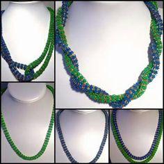 2 nahrdelniky v 1, a minimalne 6 moznosti ako ich nosit. Náhrdelníky som ušila z korálok superduo a preciosa. Tá variantnosť je perfektná a velmi jednoduchá. Spojenie oboch náhrdelníkov som si vymyslela s karabinkami a farby sú moje obľúbené modrá a zelená. :-)