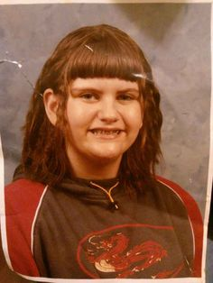 We have all had a bad hair cut at some point. Unlucky for these people though, their bad haircuts are forever immortalised. Here are the 39 worst kids haircuts Girl Haircuts, Short Bob Hairstyles, Curl Styles, Hair Styles, Awkward Photos, Bad Kids, Wedding Guest Hairstyles, Pinterest Hair, Backgrounds
