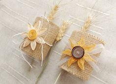 Burlap Wedding Napkin Rings/Rustic Wedding Decor/Rustic Wedding Napkin/Wedding Table Decor/Rustic Wedding/Rustic napkin holder by mirelaemilia on Etsy
