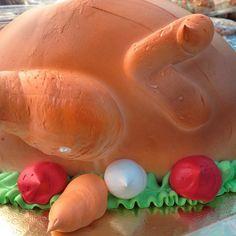 Turkey cake - love it or hate it? #thanksgiving #frosting #turkeycake #dessert #uniquedessert #holiday