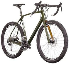 Haanjo is Diamondback's gravel and adventure collection. The 2017 Diamondback Haanjo EXP Carbon is their off-road touring option with MTB wheels and tyres. Mountain Bike Shoes, Mountain Bicycle, Road Bikes, Cycling Bikes, Mtb, Bike Equipment, Pedal, Commuter Bike, Touring Bike