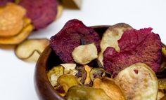 Simple healthy Baked Vegetable Chips recipe, perfect for after-school snacks and spring picnic baskets! These baked veggie chips are an easy and delicious way to get more veggies into your diet and give yourself and your family a healthy snack! Vegan Snacks, Healthy Snacks, Healthy Eating, Healthy Recipes, Cooking Pork Roast, Cooking Turkey, Vegetable Chips, Snacks Saludables, How To Cook Asparagus