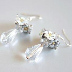 WHITE DAISY Bridal Wedding Earrings  Sterling by DreamsCorner, €29.00