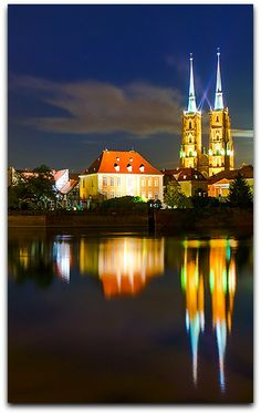 Wroclaw - Cathedral of St. John the Baptist and the Icons of Omstrow Tum