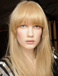 Take a peek at a whole variety of bangs that decorated the recent runways…