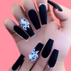 Matte Black Coffin Nail Ideas Trend in Cool 2019 Matte Black Coffin Nail Ideas, Matte Black Nails; Black Coffin Nails, Black Acrylic Nails, Matte Black Nails, Best Acrylic Nails, Matte Nail Art, Matte Pink, Red Nail, Stylish Nails, Trendy Nails