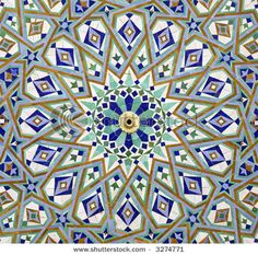 moroccan-mosaic-in-a-fountain