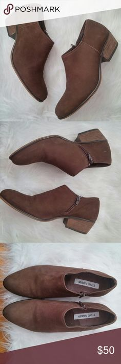 Steve Madden Leather Ankle Bootie 10M Gently worn - excellent condition. Very little wear to leather upper. Small zippers on inside of ankle.  Great neutral / wardrobe basic.  Bundle for best deals! Hundreds of items available for discounted bundles! Bundle offers welcome.   Follow on IG: @the.junk.drawer Steve Madden Shoes Ankle Boots & Booties