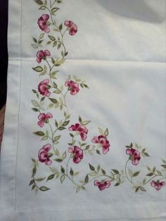 Basic Embroidery Stitches, Embroidery Suits Design, Embroidery Flowers Pattern, Embroidery Works, Flower Embroidery Designs, Handmade Bed Sheets, Fabric Colour Painting, Fabric Paint Designs, Couture