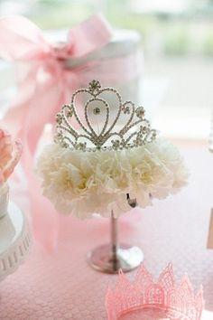 princess baby shower #princess #babyshowerideas4u Royal-First-Birthday-decorations-1