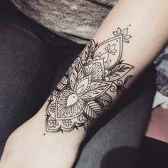 Insanely Deep and Positive lotus mandala Tattoo Arts Cuff Tattoo, Tattoo L, Tattoo Bracelet, Cover Tattoo, Piercing Tattoo, Body Art Tattoos, New Tattoos, Hand Tattoos, Piercings