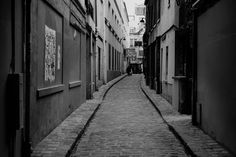 The quiet side of Paris in the Passage de Chantier