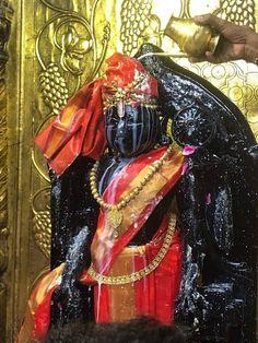 Panchamrita Abhisheka of Sri Dwarkadhish, Dwaraka, Gujarat Shree Ganesh, Jai Shree Krishna, Krishna Art, Hare Krishna, Ganesha, Certificate Format, Fairs And Festivals, Lord Vishnu, Hindu Temple