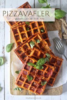 Pizzavafler - opskrift på de lækreste vafler med smag af en god pepperoni pizza. Snasket og perfekt til tømmermænd Tefal Snack Collection, Healthy Cooking, Healthy Snacks, Snack Recipes, Cooking Recipes, Everyday Food, Tasty Dishes, Love Food, Tapas