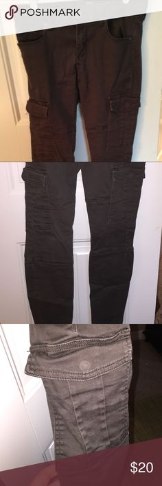 STS Blue dark olive cargo/motto pants Good used condition cargo/motto pants. More of a straight leg than a skinny. Cute cargo and motto detailing on the legs. Bought at Nordstrom (STS Blue is a great brand if you've never tried their pants!) STS Blue Pants Straight Leg