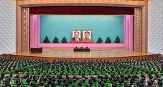 김정일동지의 로작에 대한 중앙연구토론회 진행
