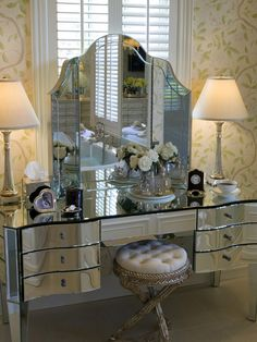 Mirrored Furniture Photos - Mirrored Furniture design ideas and photos to inspire your next home decor project or remodel. Check out Mirrored Furniture photo galleries full of ideas for your home, apartment or office. Sala Glam, Decoration Inspiration, Glam Room, Mirrored Furniture, Distressed Furniture, Farmhouse Furniture, Plywood Furniture, Pallet Furniture, Home Living