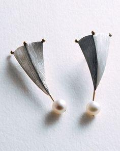 The Eliksir Cups, freshwater pearl, 750 Au 925 Ag ~ Senay 'Akin