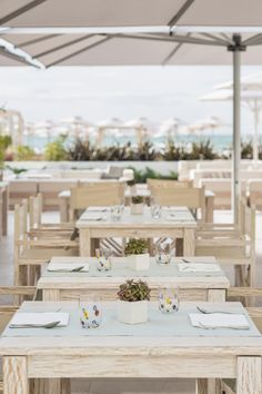 Discover the enchanting Falkensteiner Hotel & Spa Jesolo. 126 design rooms & suites with high standard service directly on the beach. Spa Hotel, 5 Star Hotels, Terrace, Table Decorations, Beach, Design, Home Decor, Interior Home Decoration, Places