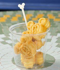 Comida Disney World, Disney World Food, Disney Desserts, Disney Snacks, Delicious Desserts, Dessert Recipes, Yummy Food, Comida Disneyland, Disney Souvenirs