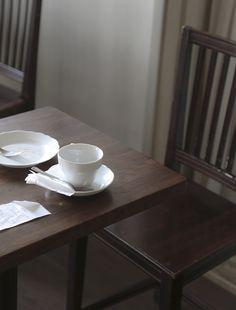 © Joanna Ulfsdotter Photography Minimalist, Table, Photography, Furniture, Home Decor, Photograph, Decoration Home, Room Decor, Fotografie