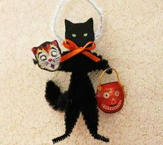 Black Cat Halloween Vintage Look Ornaments by GreenGypsies on Etsy and like OMG! get some yourself some pawtastic adorable cat shirts, cat socks, and other cat apparel by tapping the pin! Retro Halloween, Vintage Halloween Decorations, Halloween Doll, Halloween Ornaments, Halloween Trees, Halloween Cosplay, Holidays Halloween, Pipe Cleaner Crafts, Pipe Cleaners