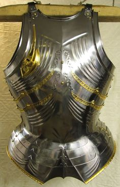 Will West replica of the armour made by Lorenz Helmschmied of Augsburg for Archduke Sigismund of Tyrol in 1485