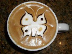 Coffee Design. Designrshub.com ha raccolto venti esempi di Coffee Design, cioè sull'arte di disegnare con il latte, con il cacao e con altri eventuali ingredienti sul caffè espresso. Potete ammirare altre foto su designrshub.com