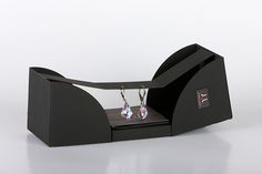 Main semestral project - packaging for Czech jewellery company JwL, that special. Main semestral project - packaging for Czech jewellery company JwL, that Luxury Packaging, Bag Packaging, Jewelry Packaging, Packaging Design, Jewelry Logo, Jewelry Shop, Jewelry Stores, Male Jewelry, Big Jewelry