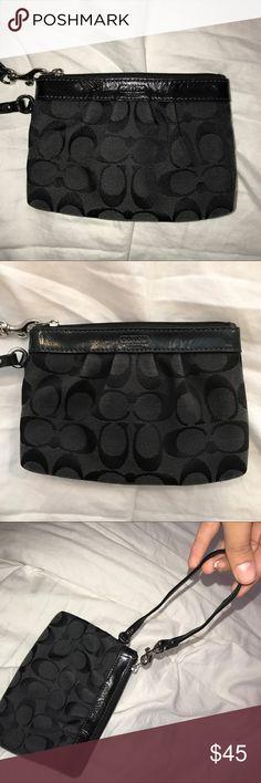 COACH wristlet😍 Gently used, black, coach print, wristlet Coach Bags Clutches & Wristlets