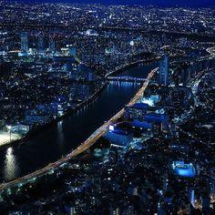 Instagram【nekotea_skywalker】さんの写真をピンしています。 《Tokyo Nightscape. スカイツリー展望デッキより #展望デッキ #夜景 #東京スカイツリー #スカイツリー #夜景ら部 #night #nightscape #tokyo #japan #nightphotography  #nightview #eyeem #eyeemphotography #riverscape #tokyonightview #eyeemoninstagram》