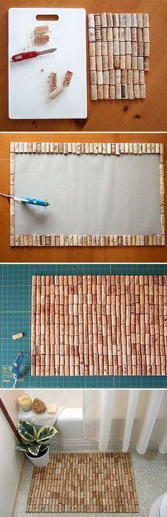 alfombra de baño con corchos cortados por la mitad