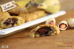 Ces biscuits sont une tuerie! Moelleux à souhait, avec un délicieux parfum de banane et de cacahuètes et son cœur coulant au chocolat! Une recette très gourmande sans œufs et qui permet de recycler des bananes trop mûres! 😉 Votre chocolat pour cette recette : les Palets Chocolat Noir 66% Sao Tome KAOKA Enregistrer