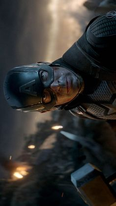 Captain America lifts the mjolnir - Avengers Endgame Marvel Films, Marvel Dc Comics, Marvel Characters, Steve Rogers, Hero Marvel, Marvel Captain America, Logo Super Heros, Captain America Wallpaper, Black Widow Winter Soldier
