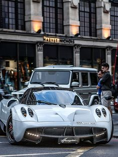 mmmm this is an awesome car:) #hypercars