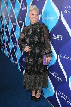 Pink Photos Photos - Singer Pink attends the 2nd Annual unite4:humanity presented by ALCATEL ONETOUCH at the Beverly Hilton Hotel on February 19, 2015 in Los Angeles, California. - 2nd Annual unite4:humanity Presented By ALCATEL ONETOUCH - Red Carpet