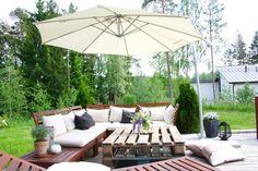 Terrace // patio //garden // ikea äpplarö // kuormalava // lupiini // terassi //olivträd //