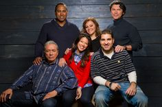 """Jenni Rivera y sus compañeros de trabajo de la película """"Filly Brown"""" Edward James Olmos,  Gina Rodriguez,  Emilio Rivera,  Lou Diamond Phillips"""