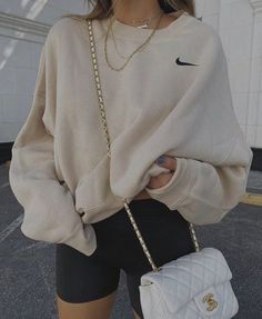 Indie Outfits, Teen Fashion Outfits, Retro Outfits, Look Fashion, Fall Fashion, Fashion Trends, Autumn Aesthetic Fashion, Hijab Fashion, Trendy Teen Fashion
