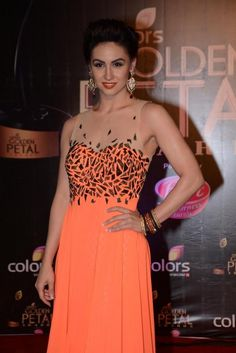 Lauren Gottlieb at Golden Petal Awards 2013 in Bandra Kurla Complex, Mumbai Love Lauren, Cute Young Girl, Bollywood Photos, India People, Beautiful Goddess, Beautiful Bollywood Actress, Floor Length Dresses, Beautiful Celebrities, Awards