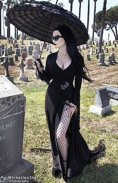 Harper Leigh Hollywood via Vampire Gothic Society on Facebook #GothicFashion